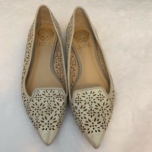 Vince Camuto gold flats size 6.5 M